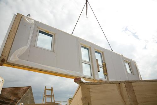 casas modulares est o fazendo um grande sucesso na europa. Black Bedroom Furniture Sets. Home Design Ideas